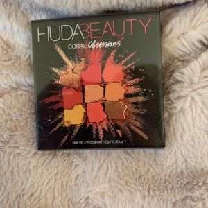 HUDA Beauty ✨NEW✨ Coral Obessions Palette